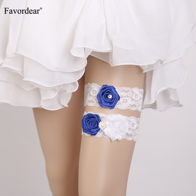 Favordear White Lace Beading Wedding Garter with Flowers 2 PC Elastic Band Fashion Stocking Bridal Garter Belt for Women