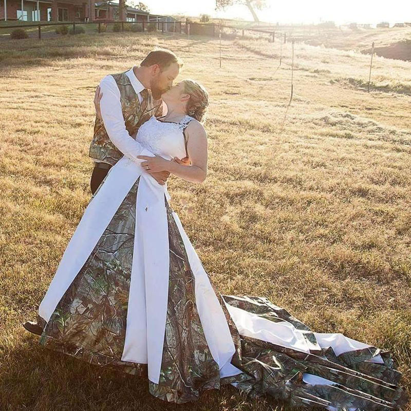 Classy Camo Wedding Ideas: 2017 Vintage Realtree Camo Wedding Dresses Halter With