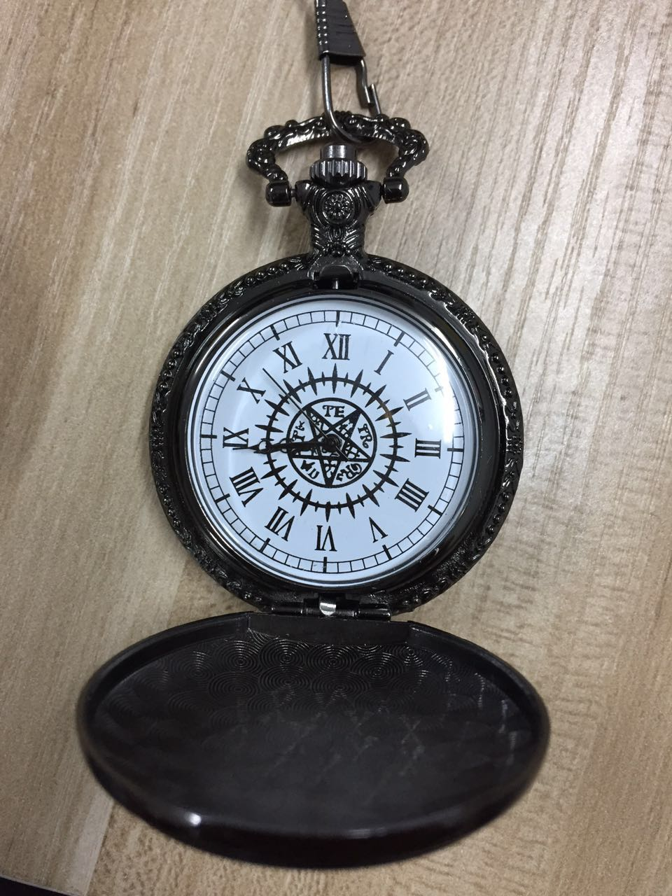 Fob Watches Japanese Kuroshitsuji Black Butler Sebastian Theme Quartz Pocket Watch With GiFt Men And Children