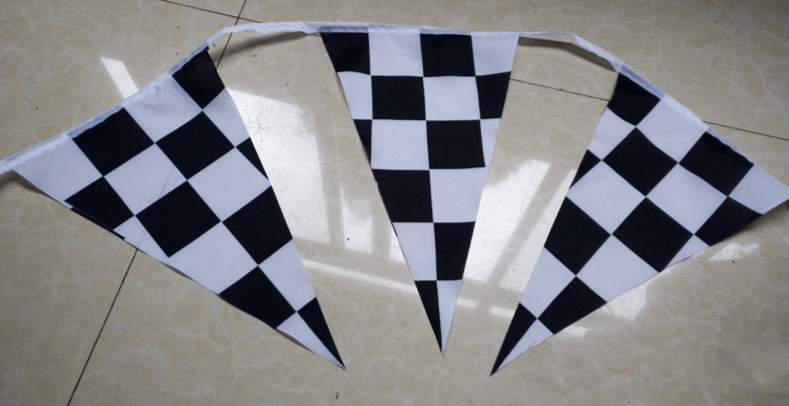 1 Set Black And White Lattice Triangular Flag Polyester Screen Printing National Day Festivals Party Racing Car Lattice Flag