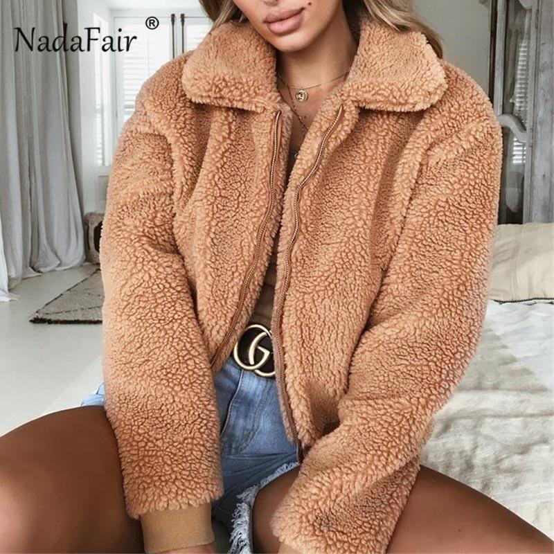 Nadafair Faux Pelz Mantel Frauen Herbst Winter Flauschigen Teddy Jacke Mantel Plus Größe Langarm Oberbekleidung Drehen Unten Kurze Mantel weibliche