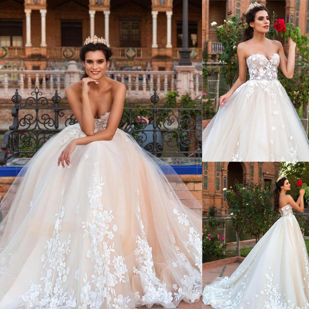 Sweetheart A Line Wedding Dress Long Backless Vintage Lace Appliques New Bridal Dress Tulle Wedding Gowns
