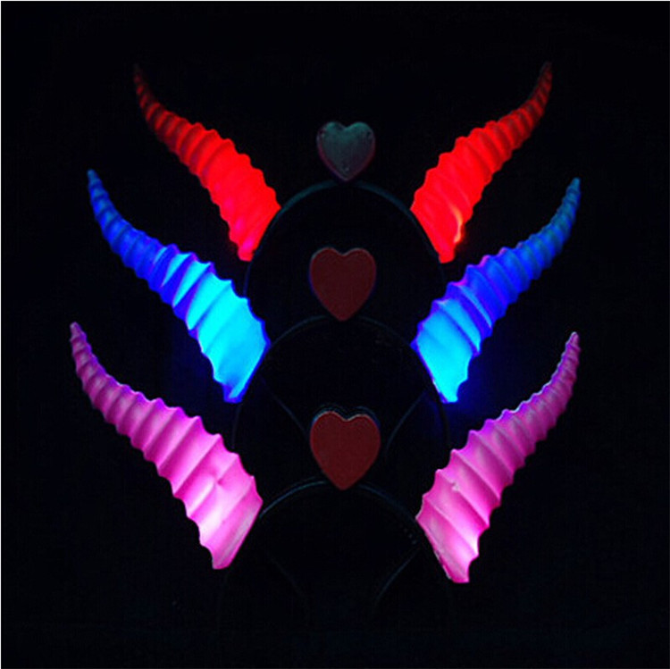 2017 Hot Sale Led Party Decoration Supplies Devil Horns Headbands Glow Horn Hairpin Cosplay Cheer Toys