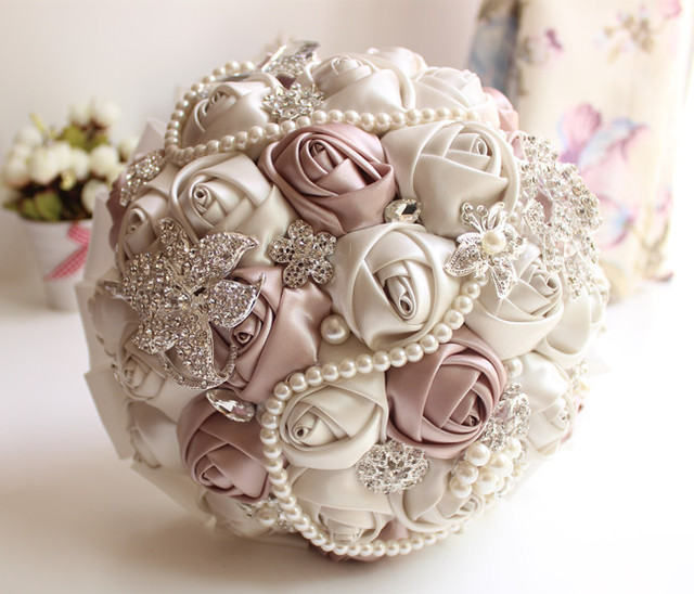 2016 New Artificial Wedding Bouquet Romantic Silk Ribbon Rose Beaded Crystal Brooch Bouquet Bridesmaid White Ivory Flowers PH001