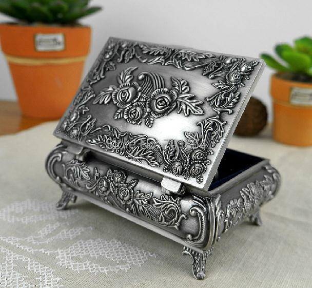 Size M Vintage Jewellery Case Fashion Jewelry Box Zinc alloy Metal