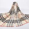 Mujeres de la marca desigual moda a cuadros talla echarpe de seda imitado bufanda de gasa delgada mujer de invierno chales y wraps beach csover up