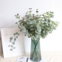 Hojas artificiales rama Retro Verde Hoja de eucalipto de seda para decoración del hogar plantas de boda tela de imitación follaje decoración de la habitación 68CM