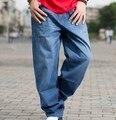 2017 Del Otoño Del Resorte Suelto Recto Pantalones Vaqueros Azules Claros De Los Hombres Grandes Baggy Jeans Femme Skateborad Pantalones Más El Tamaño 36 38 40 42 44 46