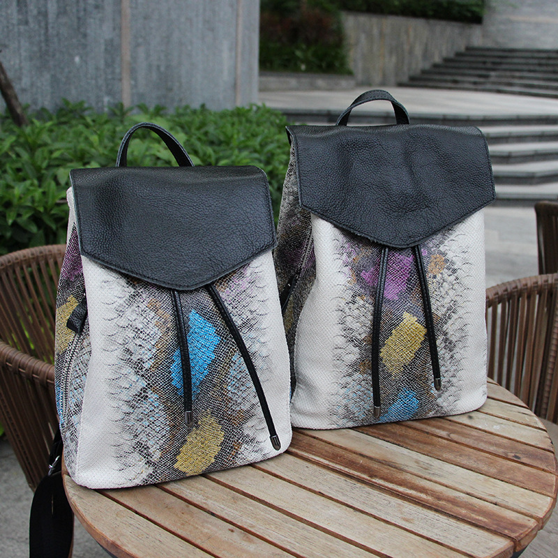 Women's new snake pattern bright light shoulder bag Cowhide + Oxford cloth vertical section Korean wave flip college personality