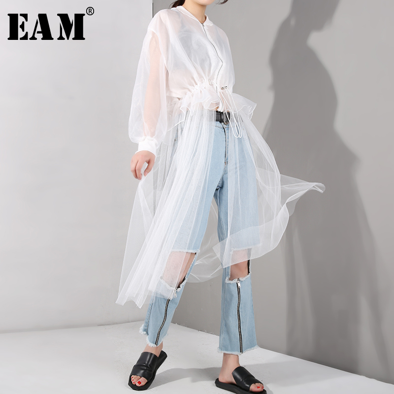 [EAM] 2020 New Spring Autumn Stand Collar Long Sleeve White Mesh Drawstring Big Size Windbreaker Women Trench Fashion JU1880