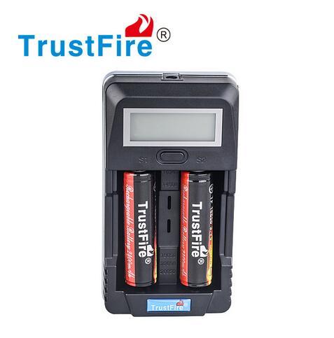 TrustFire TR-011 Numérique Intelligent Deux Slots Batterie Chargeur + 2 x TrustFire 18650 3.7 v 2400 mah Li-ion Batterie Protégée