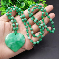 dried green stone peach heart pendant round pearl necklace