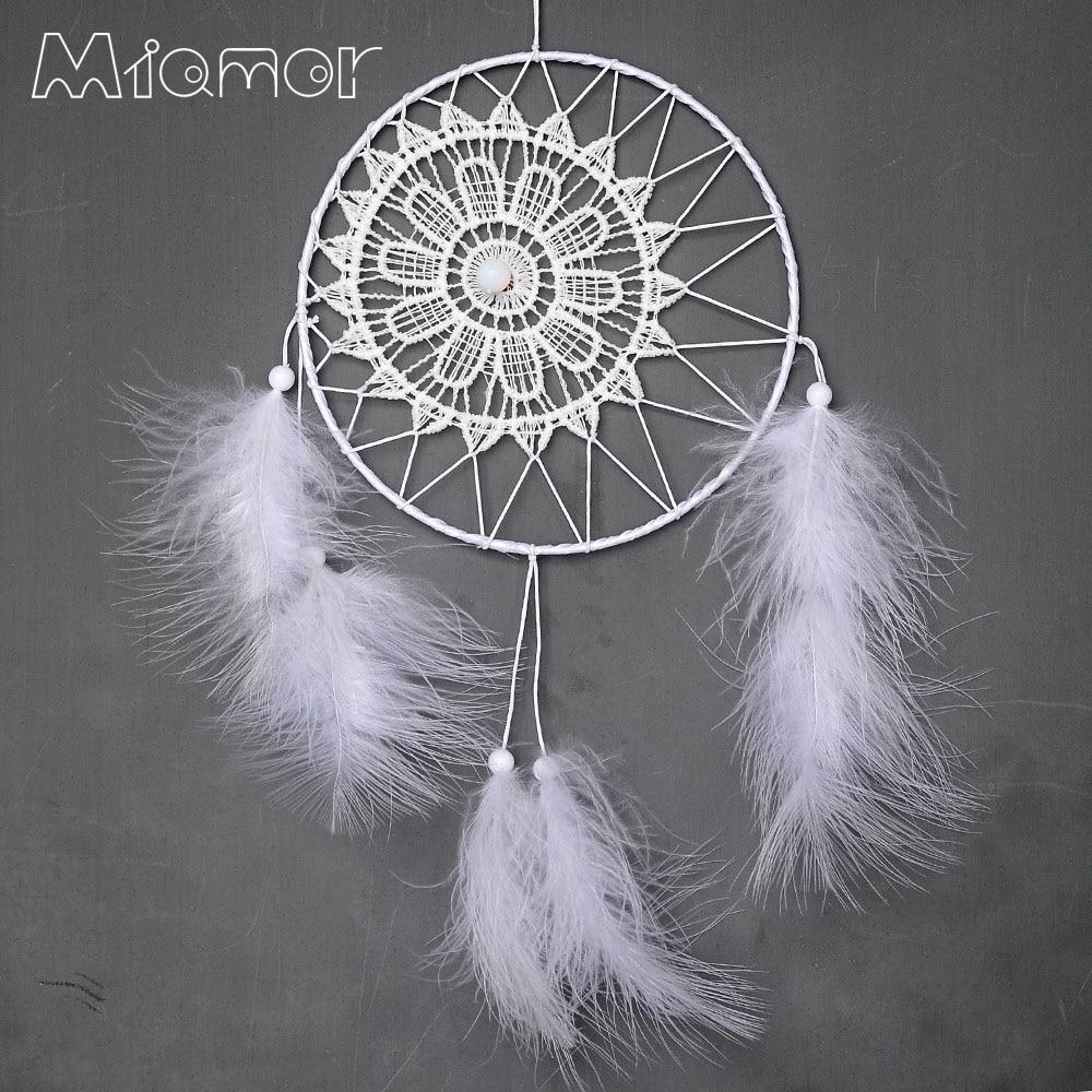 Nový módní dárek Indie bílá krajka Dreamcatcher větrné zvonkohry indického stylu peří přívěsek Dream Catcher Regalo Amor6005