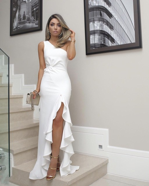 2018 New Arrival Women Summer Elegant Solid Bodycon Party Dress One Shoulder Ruffles Maxi Dress Asymmetrical Split Formal Dress