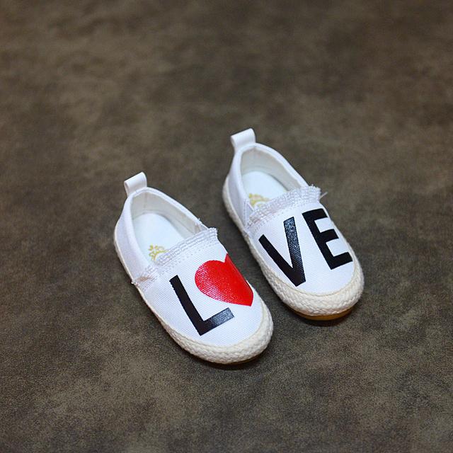 2017 primavera otoño zapatilla de deporte del bebé primero shoes kids shoes niños niñas sneaker moda de impresión blanco negro zapatillas de deporte