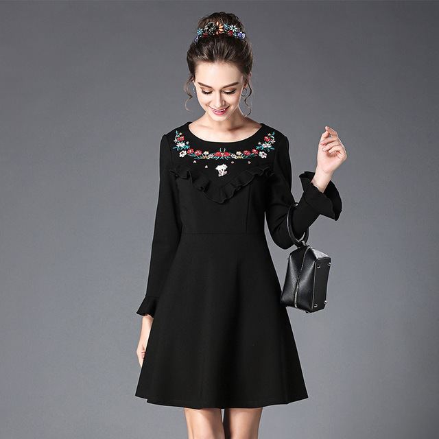Floral Embroidery Casual Black Dress Plus Size