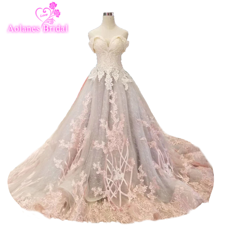 Pretty Pink 3d Floral Puffy Prom Dresses 2018 Lace Appliques Pearls Long Vintage Sheer Back Prom Gowns Abiye Abendkleider Party