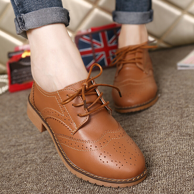 Great Fashion woMen Brogue Shoes Lace Up Low Heel Carved Classic Oxfords  Shoes Women Genuine Leather 08abecf7ec6e