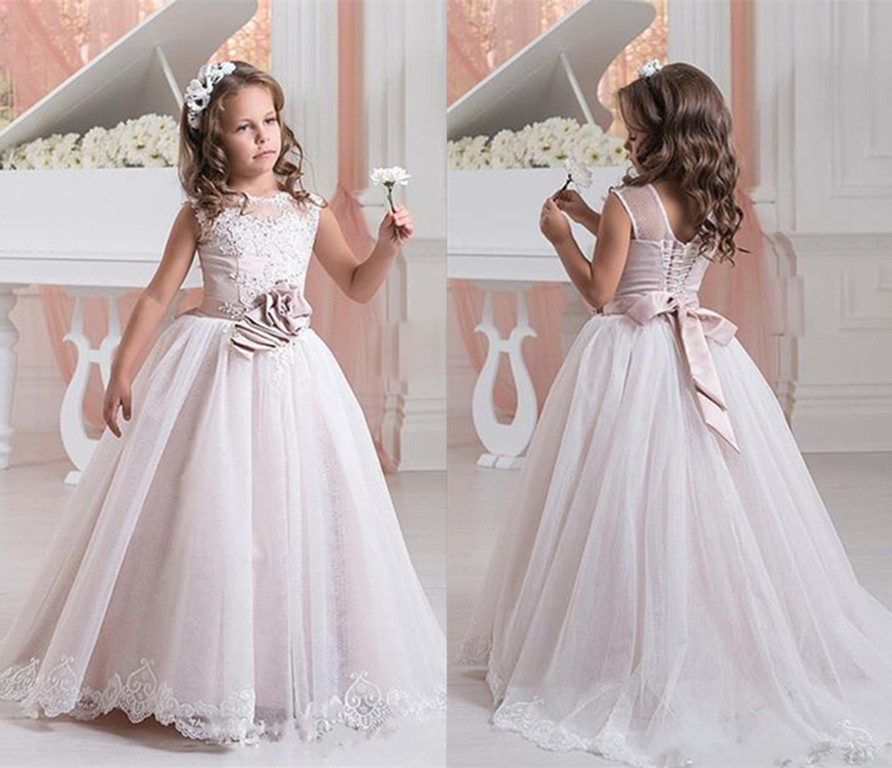 White Lace Flower Girl Dresses For Weddings Appliques Kids Pageant Gowns Tulle Beaded First Communion Gown With Sash gorgeous lace beading sequins sleeveless flower girl dress champagne lace up keyhole back kids tulle pageant ball gowns for prom