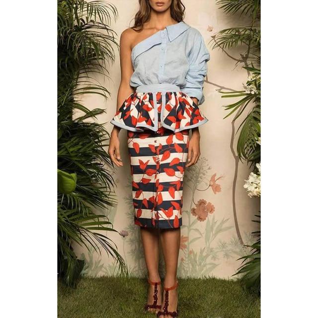 Conjunto Terno das Mulheres de ALTA QUALIDADE Mais Novo 2017 Runway Designer One-shoulder Blusa Babados Camisa Conjunto Saia Floral