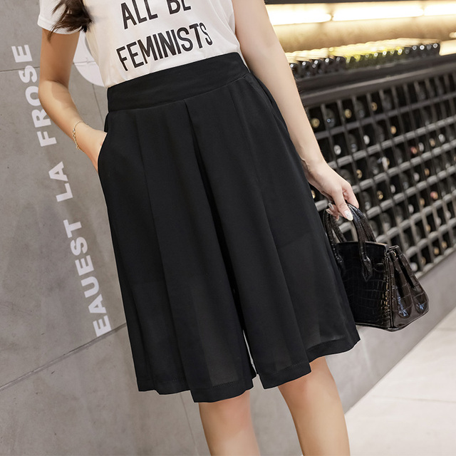 2020 summer chiffon short pants loose black/blue wide-legged trousers knee-length elastic waist women fashion capris pants 4