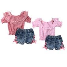 867519ab9 Moda niños pequeños bebé niña de hombro bordado flor Plaid Tops +  pantalones cortos de mezclilla pantalones vaqueros 2 piezas co.