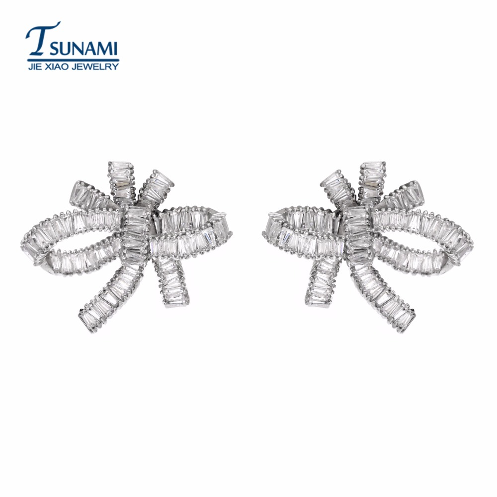 Luxurious and exaggerated bow tassel earrings The exquisite jewelry was designed as a bridal gift for a female wedding ER-084