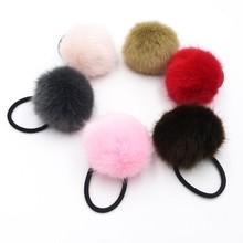 На искусственном кроличьем меху шар-помпон; резинка для волос, обтянутая тканью; резинки для волос Галстуки хвост держатели ободок на голову 1 шт. GR102
