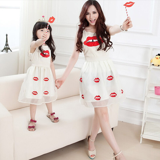 2017 Mother Daughter Dresses Summer Style Cotton Chiffon Lipstick Lips Fashion Family Matching Clothing For Mother And Daughter