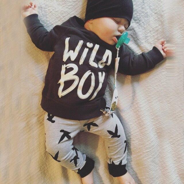 2016 Осенняя Мода девочка одежда мужская черный хлопок с длинными рукавами письмо молоко футболка + брюки новорожденных мальчик комплект одежды