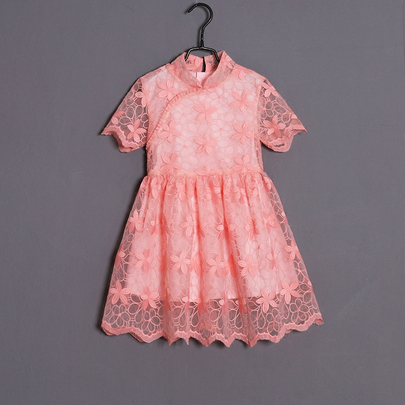 все цены на Summer mother daughter dress family matching look child embroidery organza pleated dress kids girl Chinese qipao cheongsam dress