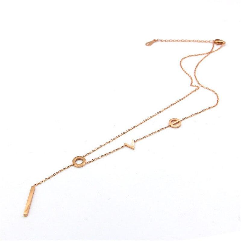 collier ras de cou rectangulaire