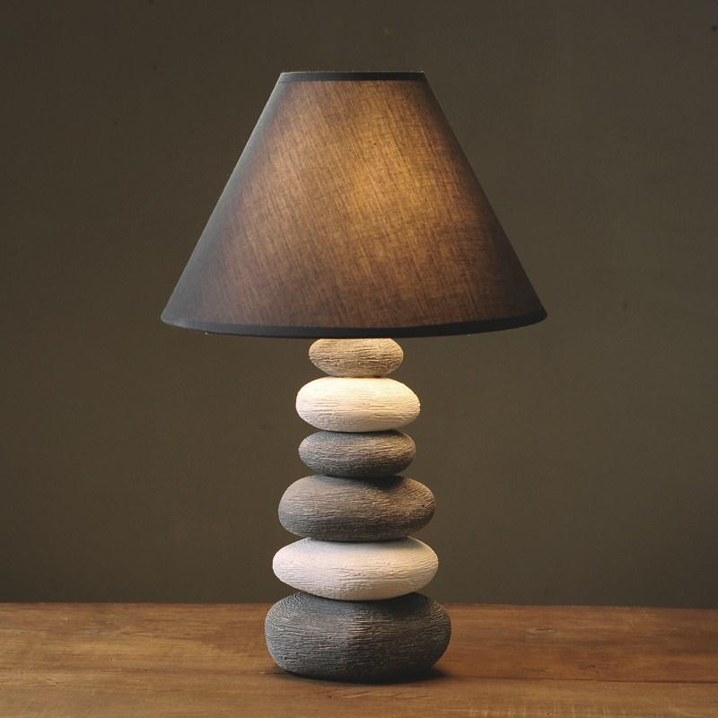 US $72.79 9% di SCONTO|La lampada in ceramica da comodino camera da letto  creativa semplice e moderno di modo bello caldo luce calda lampada da ...