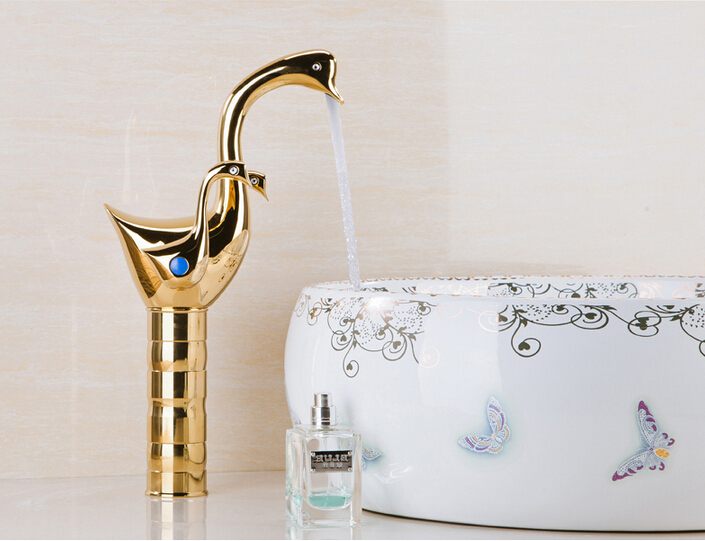 Fashion Brass high quality swan design gold finished hot and cold Basin Faucet Sink Faucet Bathroom basin Faucet gold color swan design hot