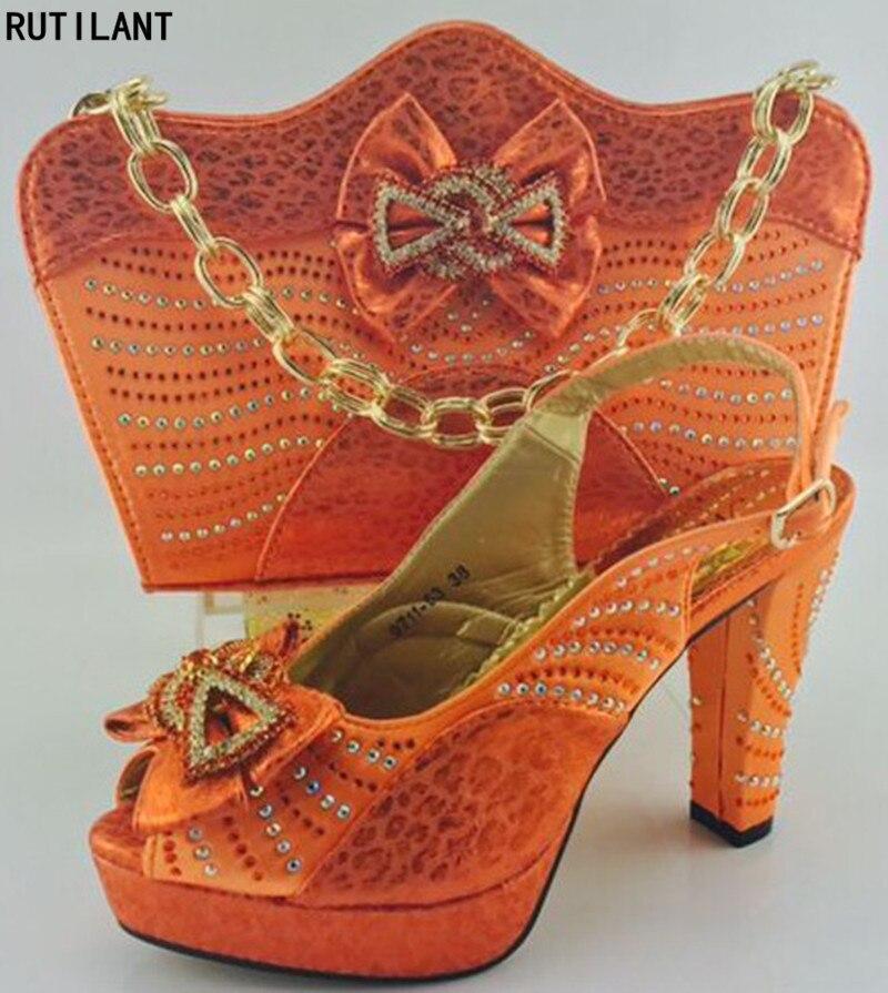 7e15dc81 Zapato y bolso italianos fijados para el partido en mujeres boda nigeriano  de las mujeres zapatos y bolsa conjunto decorado con Appliques bombas  zapatos de ...