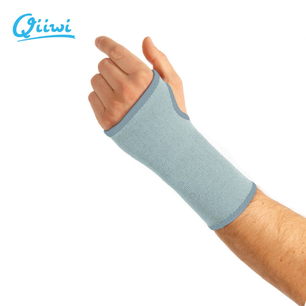 Qiiwi 1pcs elastic breathable sports safety wrist support strtchy joint brace palm support training sleeve gym bandage protector