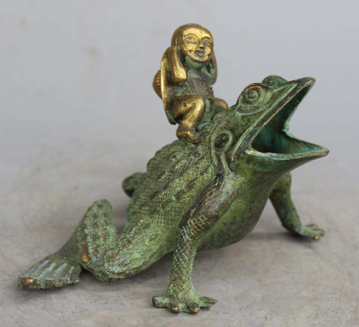 4 Rare Decorated Old Handwork Carved Frog Bronze gilt Buddha Statue4 Rare Decorated Old Handwork Carved Frog Bronze gilt Buddha Statue