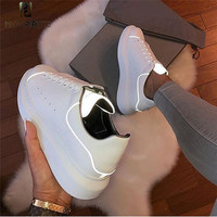 Prova Perfetto Luxury Brand 2019 Fashion White Sneakers Women Genuine Leather Flats Leisure Shoe For Girls Casual Shoes Luminous