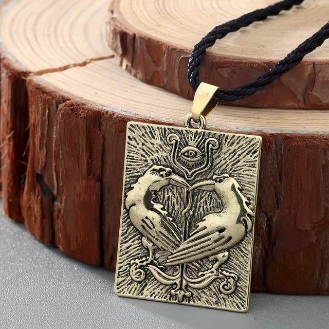 QIMING Valknut Norse Viking Necklace Women Bird Animal Pendant Odin Symbol Huginn Munin Raven Eye Punk Men Necklace 5