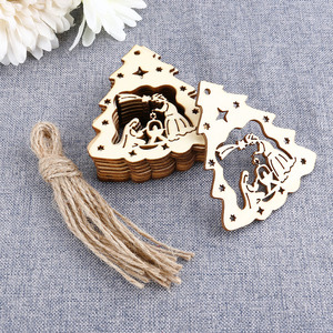 10pcs Wooden Embellishments Christmas Decoration The Birth of Jesus Pattern Pendant with Hemp Ropes