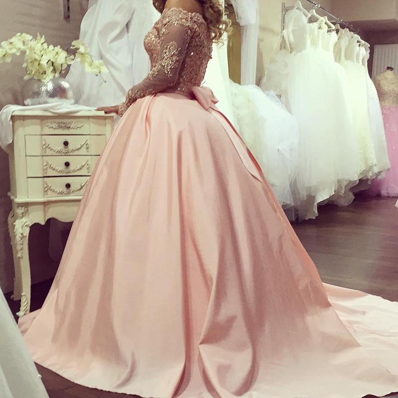 Alluring Plus Size Ball Gown Prom Dresses Bateau Neck Long Sleeves Crystal Appliques Satin Blush Pink Sparkly Evening Gowns Formal Dresses 143 (1) 5