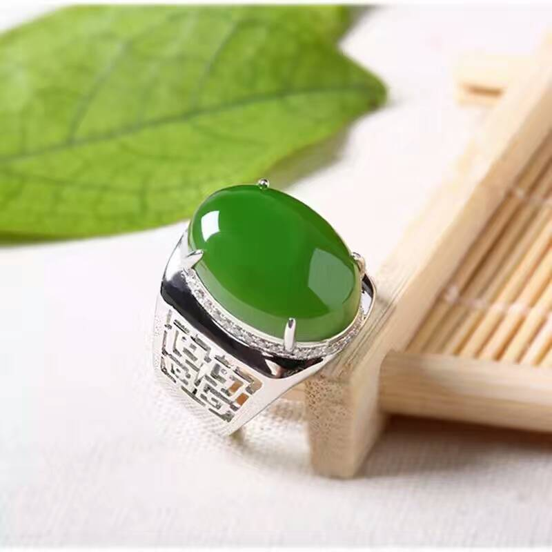 Chinese stijl groene jade man ring 12*16mm natuurlijke jade vintage 925 zilveren edelsteen ring voor man luxe zilveren man ring-in Ringen van Sieraden & accessoires op  Groep 2