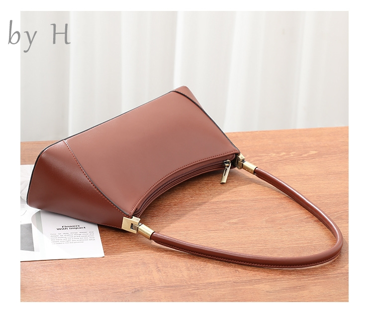 by H 2019 new high quality baguette womens chic shoulder bag top handle 3D handbag camle purse luxury designers totes