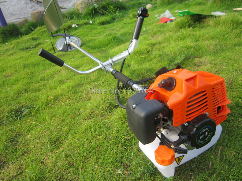 Coupeur résistant de blé d'herbe de riz alimenté par essence 52cc coupe-brosse de coupe de récolte outils de jardin de Cropper machine agricole