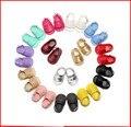 1 Пара Отправить Новорожденный Девочки Мальчики Обувь Твердой Резины Кожаная подошва Детские Мокасины Ходунки Младенческая Малышей Лето Ребенка Moccs 0-18 М
