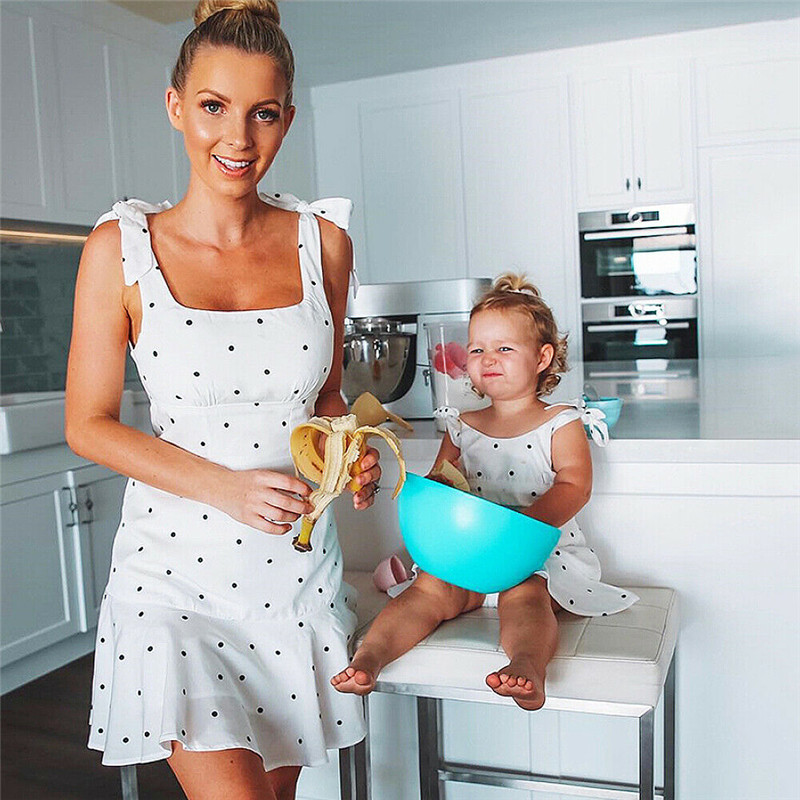 Summer Mother And Daughter Dot Dress Family Matching Outfits Mom Kids Strappy Mini Dresses Women Baby Girls Family Look Vestidos