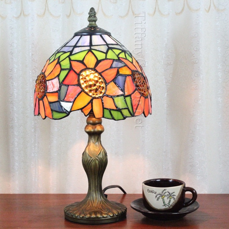 10Inch sunFlowers Tiffany Table Lamp Country Style Stained Glass Lamp for Bedroom E27 110-240V цена