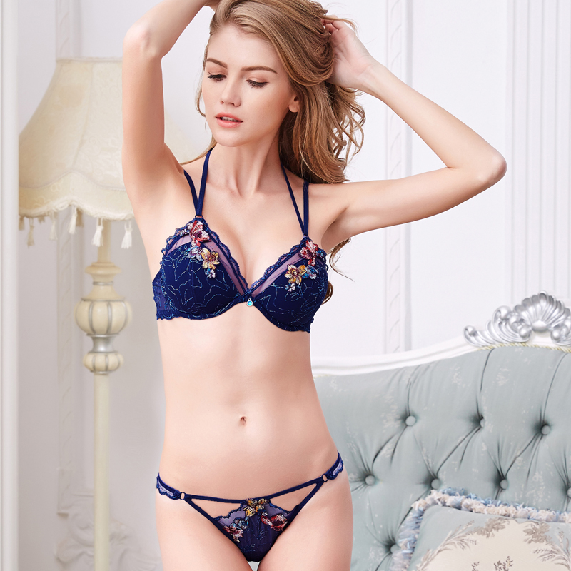 Szafirowa orgia erotyczna