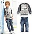 2017 Meninos Novos Do Bebê Terno definir a Forma Das Crianças T-Shirt + Calças 2 pcs conjuntos de Roupa Dos Miúdos Meninos treino Meninos Roupas Define 2 3 4 5 6