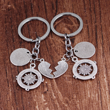 Best Friends No Matter Where Keychain Man Personality Compass Key Ring Wafer Sheet Heart Shaped Car Key Holder Key Chain For Men